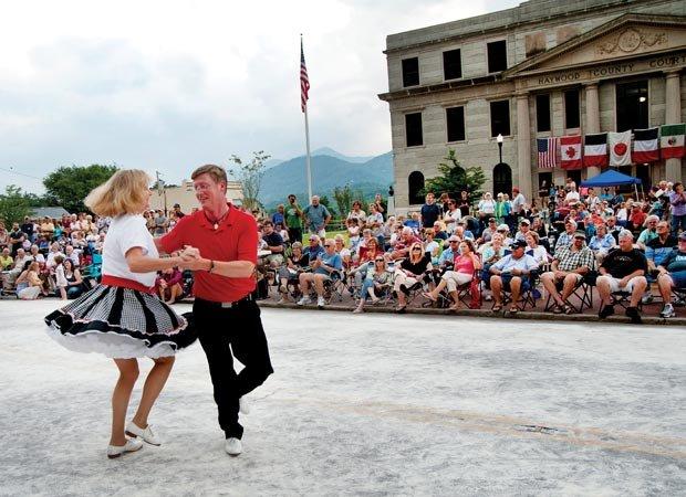 Waynesville street dance 01