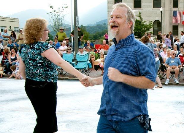 Waynesville street dance 04