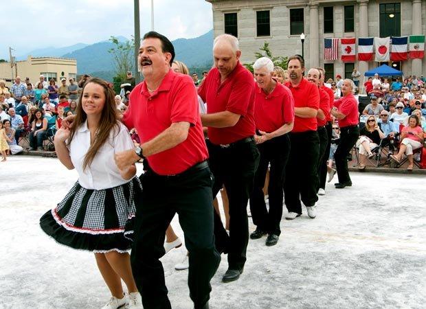 Waynesville street dance 05