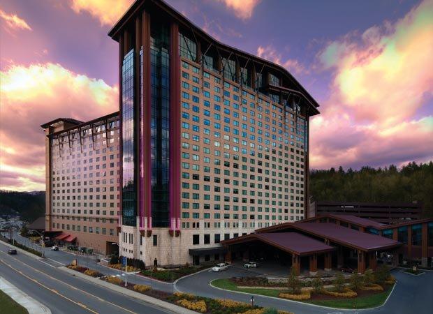 Harrah's Cherokee Casino gambles big