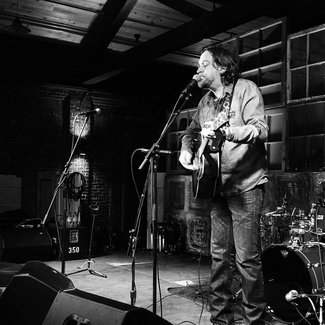 Hayes Carll at the Jackson Terminal in Knoxville.