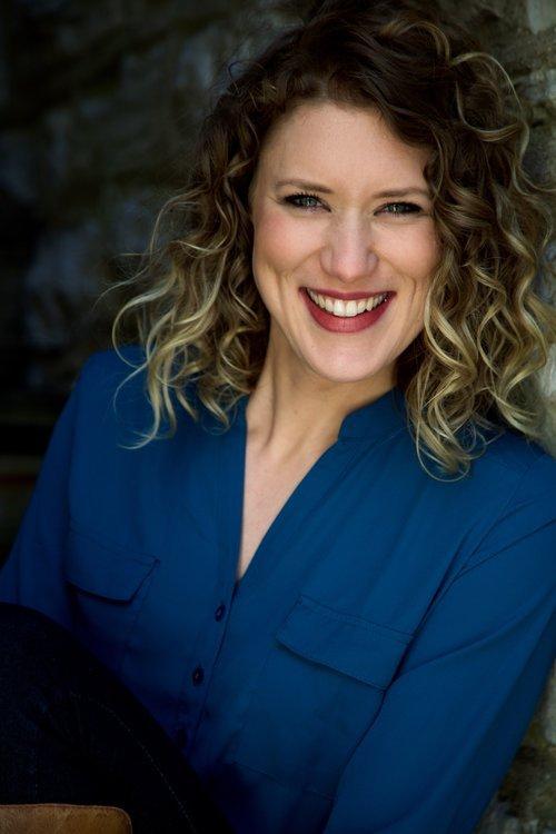 Sarah Toth (headshot).jpg