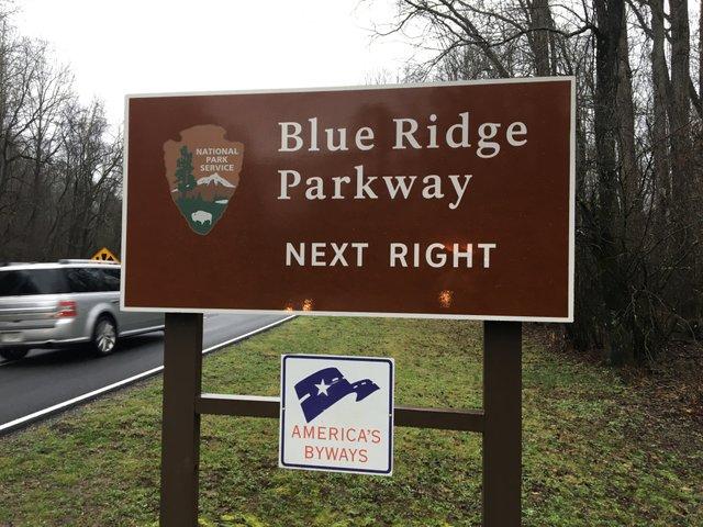 parkway sign.JPG