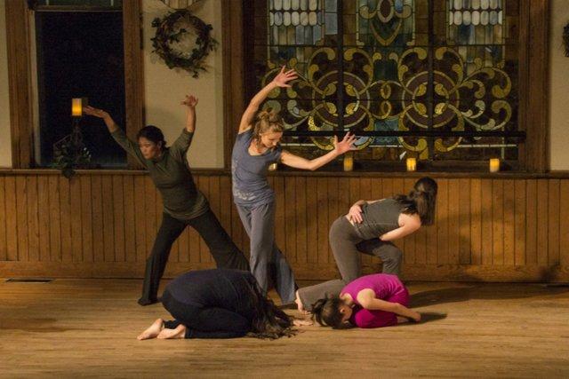 circle modern dance.jpg