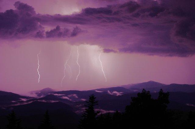 070419_GFM_lightning_JP.jpg
