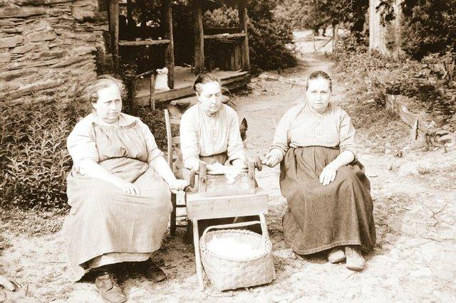 The Walker Sisters